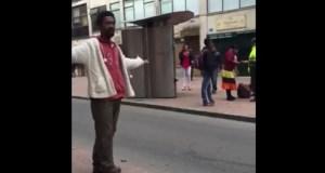 Capture d'écran d'une vidéo de Carlos Angulo, qui est devenue virale en 2015 et a suscité des discussions sur le racisme dans la police et le pouvoir judiciaire en Colombie.
