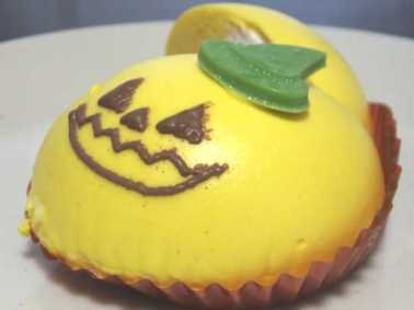 コンビニスイーツだ_ハロウィンかぼちゃのムースケーキ【セブンイレブン】中身04