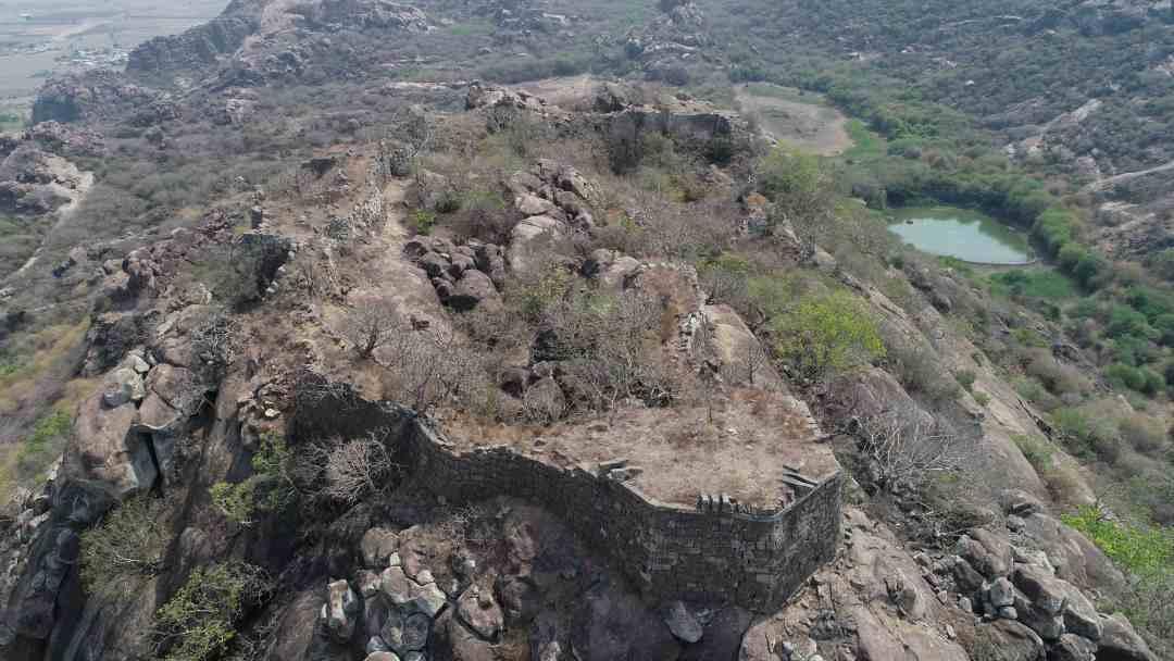 Areal view of Sajja Mahal Buruju along with Vedulla Ceruvu