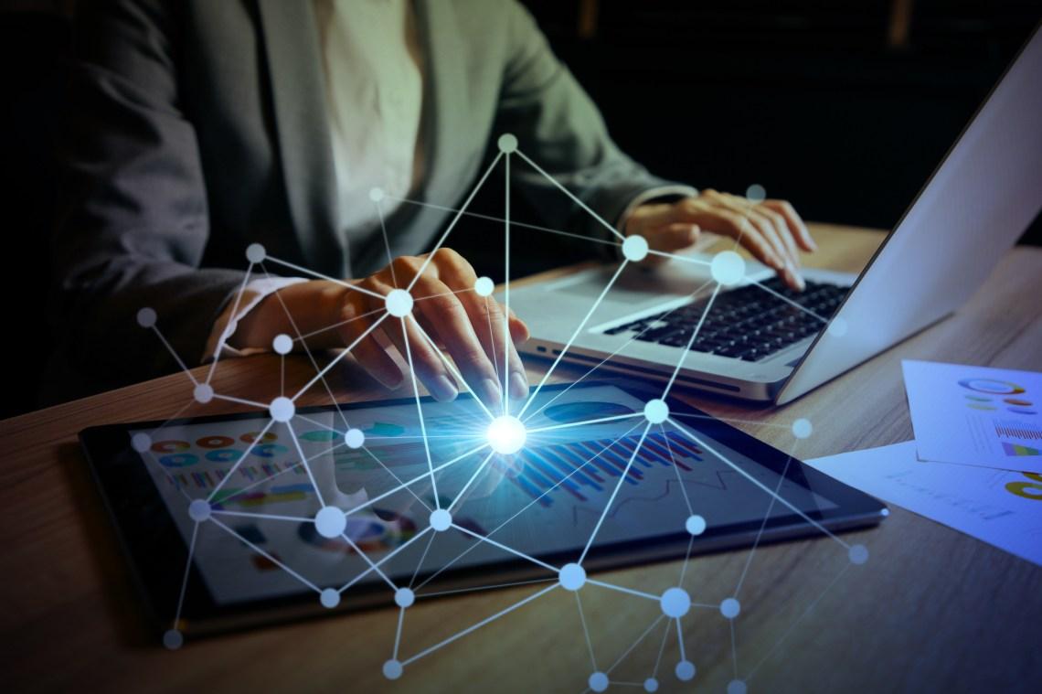 快適なインターネット通信速度の目安|光回線の1Gbpsとはどれくらいの速さ?