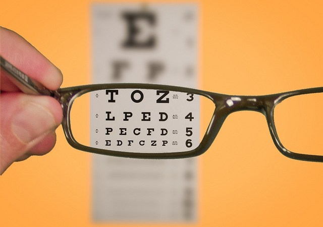Pierwsza wizyta uspecjalisty – okulista, ortopeda, neurolog Image
