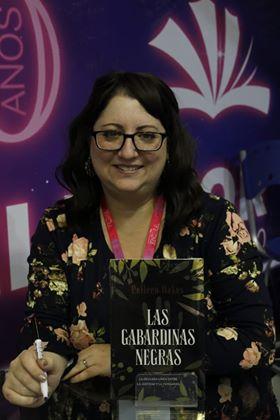 """Collen Oakes presenta  """"Las gabardinas negras"""" en la Feria Internacional del Libro"""