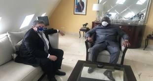 Fatshi [president de la RDC], protection Covid-19 oblige.