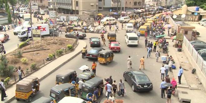 Chaos après l'interdiction de tuk-tuk a Lagos.