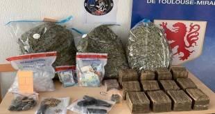 Saisi de grosses quantités de drogues et d'argent par la police française a Toulouse.