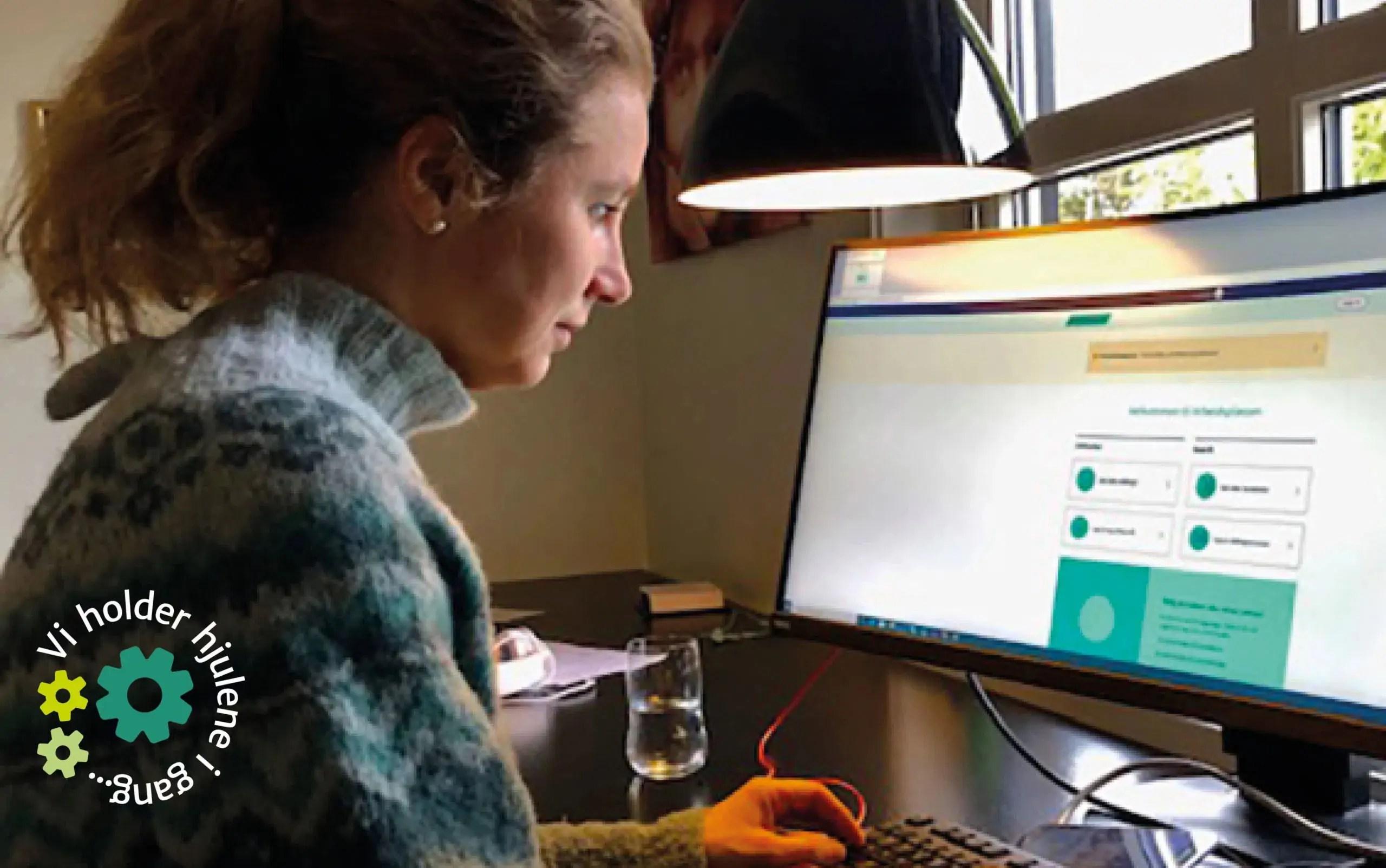 Hjelper unge ut i jobb og utdanning fra hjemmekontoret