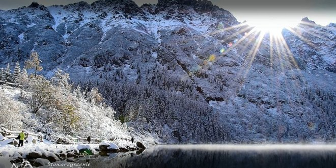 Słoneczny i śnieżny poranek nad Morskim Okiem