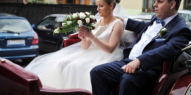 Dorota i Tomek na ślubnym kobiercu