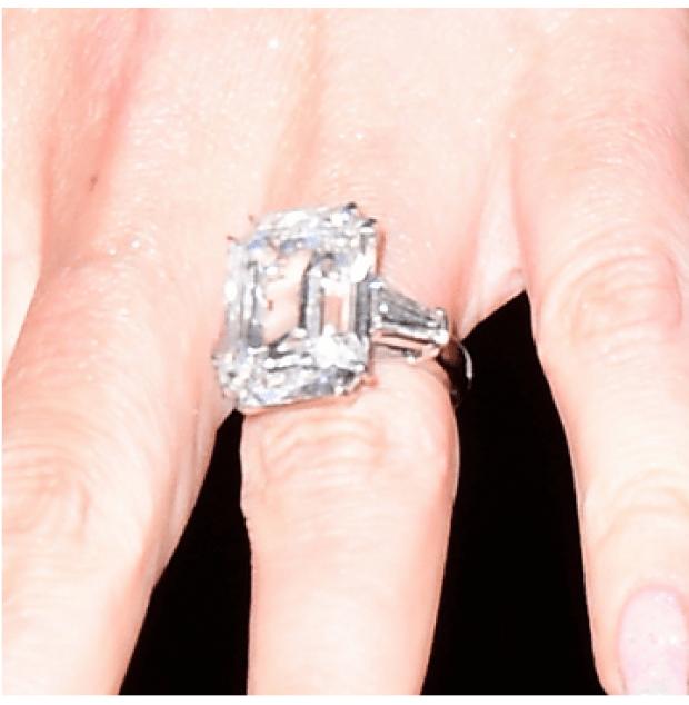 Maraiah Carey engagement ring.png