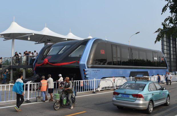 elevated road bus3.jpg