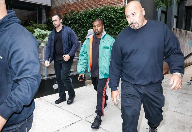 kanye-west-off-to-receive-kim-in-new-york