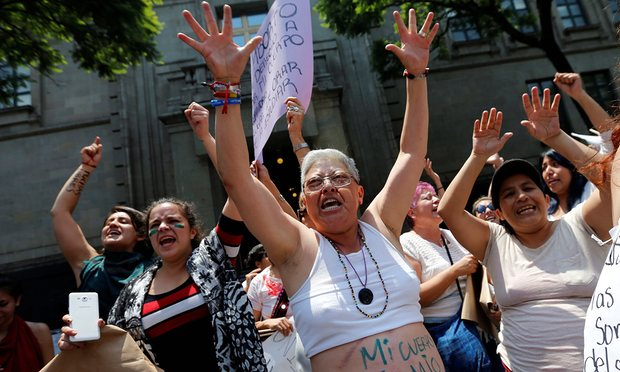 pro-choice-protesters-in-mexico-city-when-13-year-old-rape-victim-was-denied-the-right-to-abortion