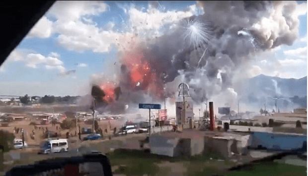 Large explosion at fireworks market in Tultepec, Mexico.5s.png