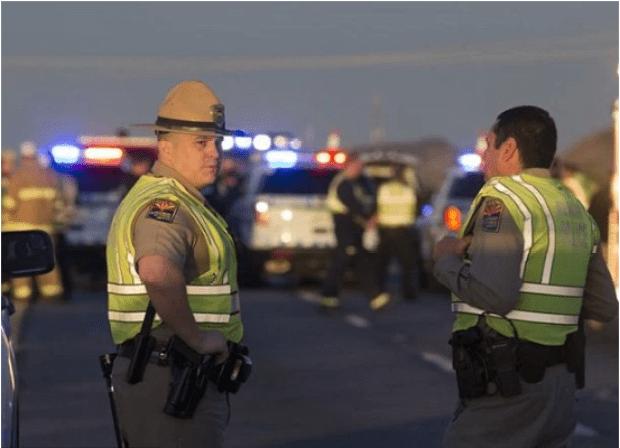 Cops at the Arizona trooper ambush crime scene.png
