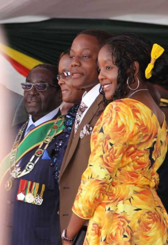 President-Mugabe-and-First-Family.jpg