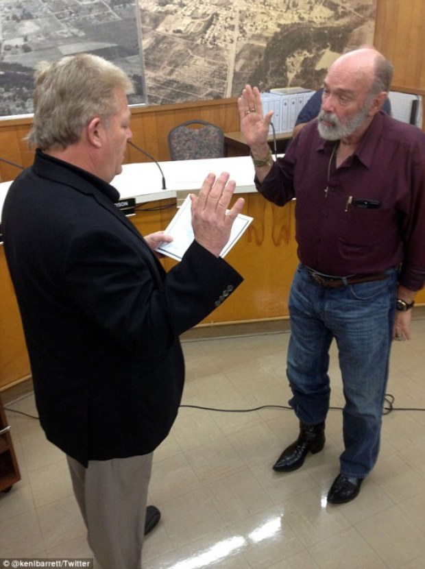 Kenneth Barrett being sworn in