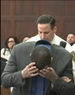 Aaron Hernandez reacts to acquittal from double-murder charge1