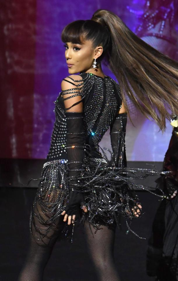 Ariana Grande performs at Manchester arena before big 'explosion'4.jpg