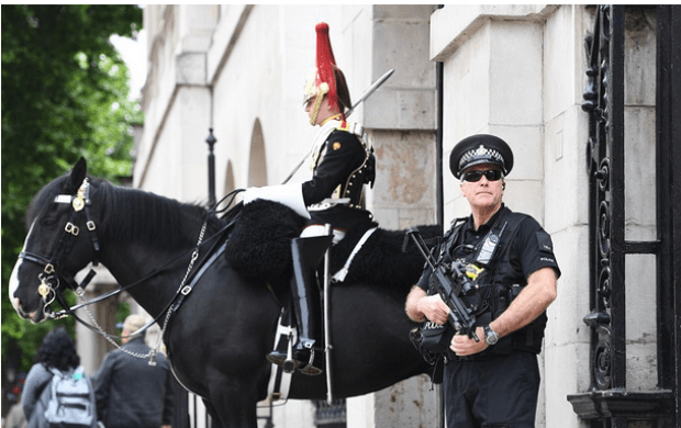 Security is beefed up in London as authorities seek to reassure the public in the wake of the attack.png