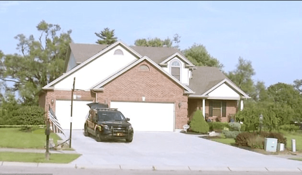 Investigators revisit the Richardson's home July 20, to get more soil samples and additional evidence.png