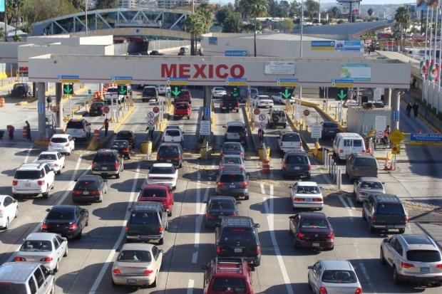 US-Mexico border in San Diego 3.jpg