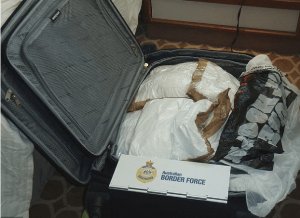 Isabelle Legace and Melina Roberge were caught with cocaine worth around $30million, cops claim.png