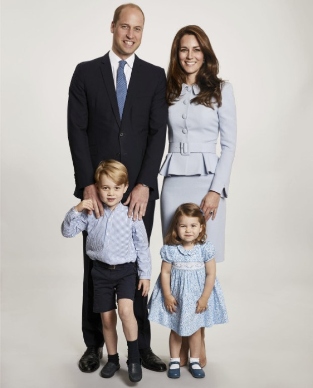 Prince William and wife Kate Middleton pose with children Prince George and Princess Charlotte 1.jpg