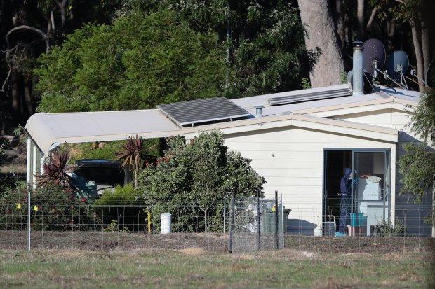 Police investigate Miles family murder-suicide in Australia.jpg