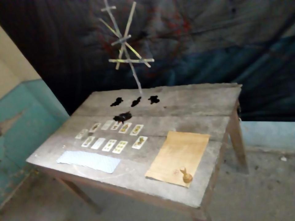 Table found  at scene of Gloria Torres murder 1.jpg