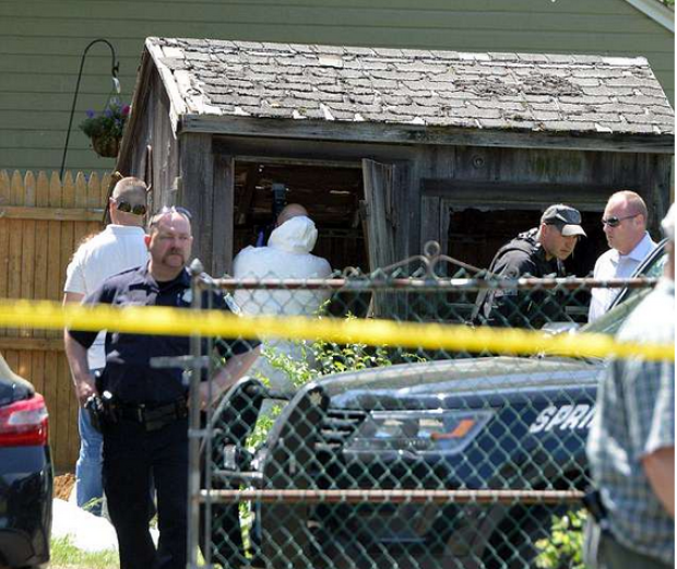 Investigators search for evidence at Stewart Weldon's house.png