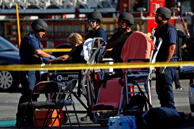 Gunman 'takes hostages and opens fire' inside a Trader Joe's in Los Angeles 8