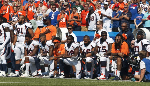 NFL players protest 2.png