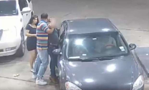 4 women offer man at club a free ride only to set him up for a violent gas station 4