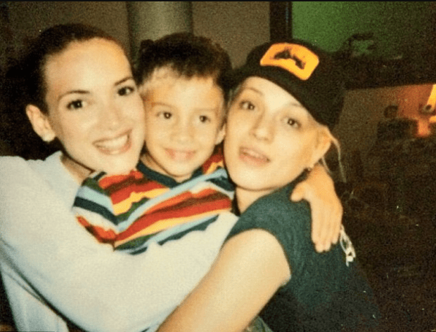 Asia-Argento-left-7-year-old-Jimmy-Bennett-and-Winona Ryder-right-in-20031.png