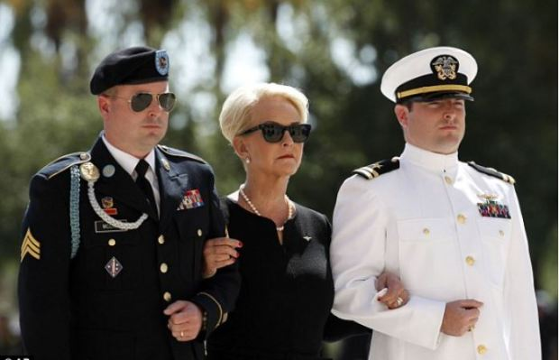 Cindy McCain and hery sons Jimmy,[left] and Jack, [right].JPG