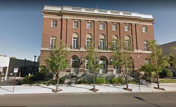Medford, Oregon, courthouse.JPG