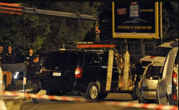 Police investigates vehicle which was carrying Helene Pastor and her driver