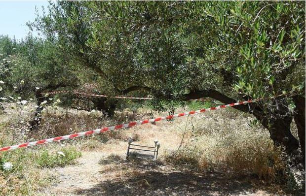 Rural track in Crete, Greece 1.JPG