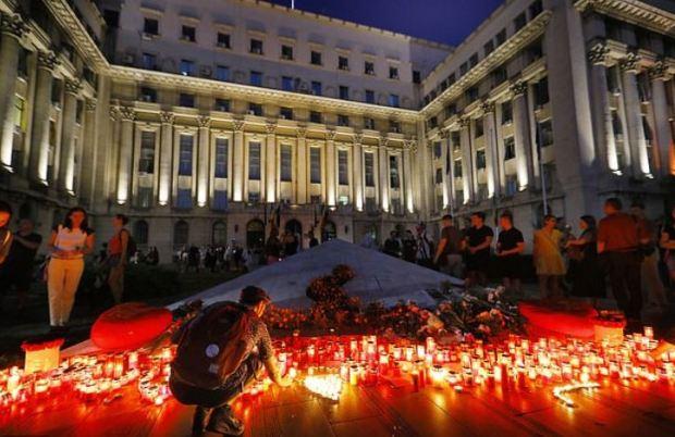 Vigil for the murdered girls outside the Interior Ministry 1.JPG