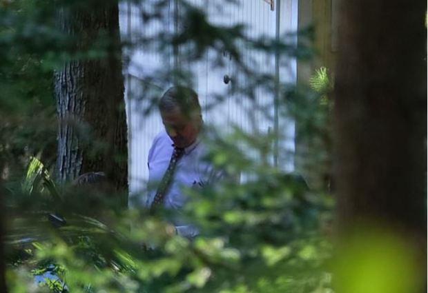 FBI agents raid Micheal Mann's home 2.JPG