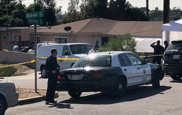 Police investigate house where a man fatally shot his wife and three of their four children, before shooting himself on Nov 17, 2019 San Diego, CA 5.JPG