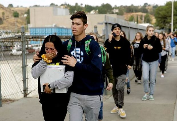 Students evacuate after California school shooting on Nov 14, 2019 2