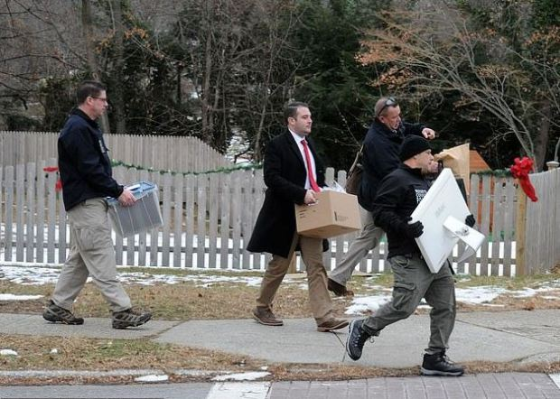 Detectives cart evidence away from Liu family house in Pleasantville, Westchester, NY 3.JPG