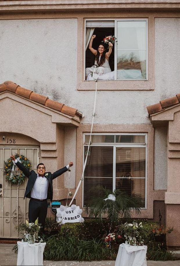 This image has an empty alt attribute; its file name is Lauren-Jimenez-weds-Patrick-Delgado-1.jpg