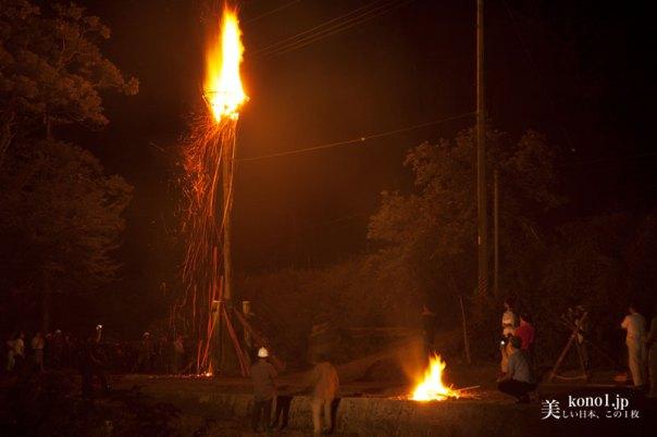 京都 火祭 松上げ 久多 愛宕信仰 とろ木 左京区