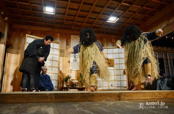 秋田県 男鹿半島 なまはげ柴灯まつり  なまはげせどまつり 柴灯 雪 北浦真山 しんざん 真山神社 なまはげ行事再現 里のなまはげ乱入 なまはげ太鼓 なまはげ踊り なまはげ下山 なまはげ献餅 JR男鹿線