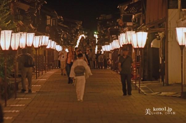 おわら風の盆 越中八尾 夜の諏訪町坂 日本の道百選