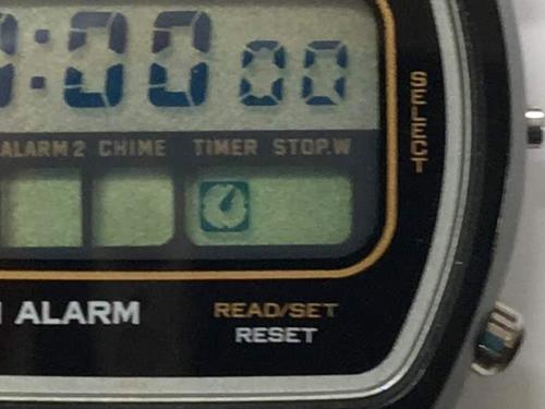 CITIZENデジタル腕時計