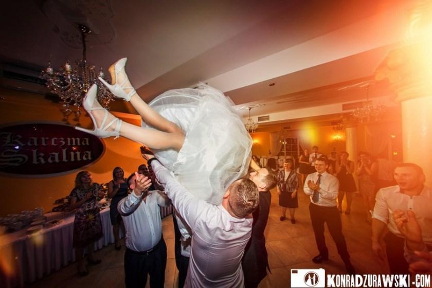 Latająca Pani Młoda | Fotograf na ślub Legnica