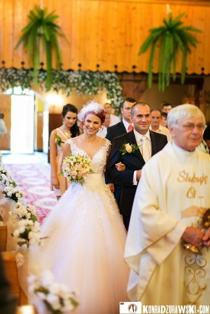 Ceremonia ślubna odbyła się w kościele | fotograf z Jeleniej Góry Konrad Żurawski